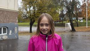 Clara Viklund Grundberg, 9 år, elev, Fagervik.