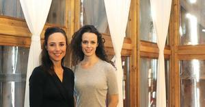 Sara Edberg spelar skådespelerskan Giselle, medan Cecilia Säverman gör den kuvade systern Naima.