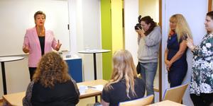 Arbetsmarknadsminister Ylva Johansson besökte Arbetsförmedlingen i Sala.