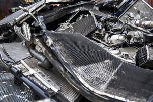 Det finns en del fastigheter som säkert skulle behöva söka tillstånd för att bedriva verksamhet inom bilskrotning och återvinning av gamla fordon, skriver signaturen