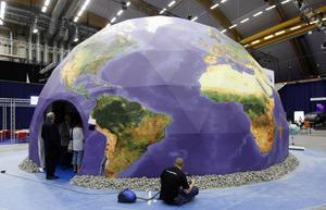 Dammsuger jordklotet. Sandvik verkar i 130 länder i världen.