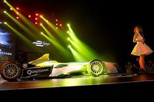 Inför premiären av Formel E i Beijing 2013 var intresset stort för de eldrivna racingbilarna. Nu går alltså ABB in som huvudsponsor.AP Photo/Ng Han Guan) / TT