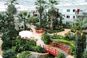 Bovieran är ett 55 plus-boende på Rönnby i Västerås. Bostadsrättsföreningen förenas genom en 1600 kvadratmeter inglasad tropisk trädgård.