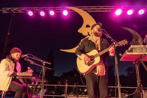 Riike Mo uppträdde på Fiskartorget under Kulturnatten förra året. Foto: Jakob Svärd