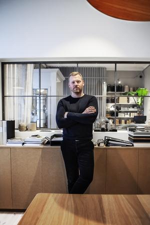 I september börjar David Fahlén på sitt nya jobb som inredare i Stockholm.