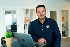 – Många företag är snabba på att köpa in ny teknik och missar allt för ofta att ge personalen rätt förutsättningar och utbildning, menar Jens Eriksson, digital coach på TeamNorr.