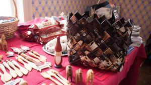 Det fanns mycket att välja på för julshopparna. Exempelvis den här väskan som är tillverkad av kaffeförpackningar.