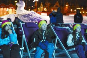 Mira Stjernlöf ( i mitten) åker mest i Ladängen.