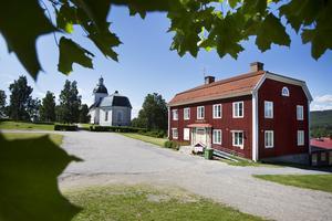 Föreningarnas hus, före detta kommunhuset i Färila är på väg att säljas. Varför reagerar ni inte, Färilabor? undrar insändaren.
