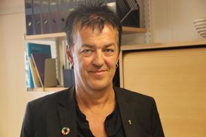 Kenneth Berggren lämnar sin tjänst som chef för miljö och samhällsbyggnadsförvaltningen för en ny chefstjänst i Västmanland.