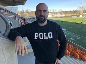 VSK Fotbolls ordförande Andreas Dayan är inte orolig för att hemmapremiären inte ska kunna spelas på Solid park arena.