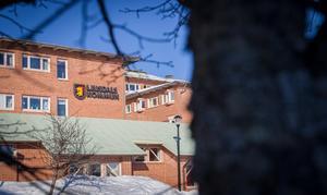 Vår granskning av avgångsvederlag, som visar att kommunen köpt ut anställda för 6,8 miljoner kronor sedan 2017, fick Inga-Lill Öjemark att reagera på nytt.