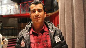 Manis Ali fick  jobb ett år på Borlänge kommun i satsningen Dubbelt upp.  Han studerar samtidigt för att bli behörig till socionomutbildningen.