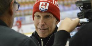 Timråtränaren Fredrik Andersson efter måndagspasset i NHK Arena.