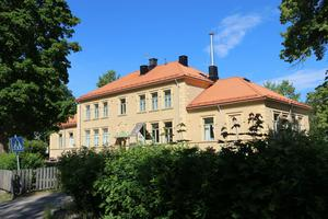 Hammarby skola består av flera byggnader, den äldsta är från 1899.