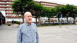 Region Västernorrlands chefläkare Martin Enander tycker att den negativa bilden som målas upp av svensk sjukvård är missvisande och att man bättre behöver lyfta fram alla positiva exempel.