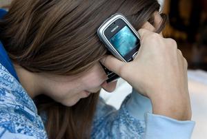 Mannen skickade kränkande och hotfulla SMS. (Kvinnan på bilden har inget med händelsen att göra)Foto: Claudio Bresciani / SCANPIX