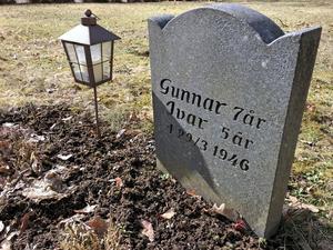 Gunnar och Ivar Svensson vilar intill varann på Norra kyrkogården i Örebro. Stenen kom upp ett antal år senare, och lillasyster Doris Nyman minns hur här inledningsvis stod två vita kors med pojkarnas förnamn på.