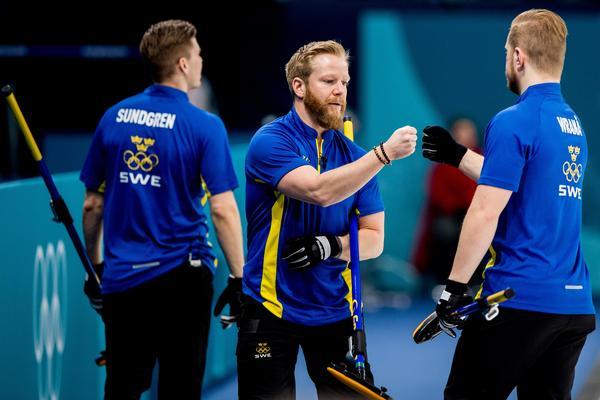 Tredje raka seger för Lag Niklas Edin. Bild: Jon Olav Nesvold/Bildbyrån