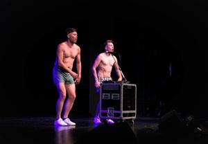 """Vinnarna i klassen Sång och musik blev Patrik Zackrissons och Jonas Jonssons """"Köttbeat"""", där duon uppträdde iförda boxerkalsonger."""