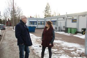 Mikael Westberg, bildningsstyrelsens ordförande (S), och Annelie Enström, förskolechef i Skogsbo, är nöjda över att förskolan ska börja samarbeta med Högskolan Dalarna.