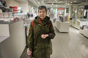 Margareta Olsson tycker att det är bedrövligt med alla butiker som stänger i city.