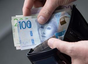 Detta innebär att det inte borde råda några tvivel om att pengarna betalas ut i år till berörda personer med insatsen daglig verksamhet i kommunen, skriver Johanna Carlsson och Magnus Schubert. Foto: Fredrik Sandberg, TT.