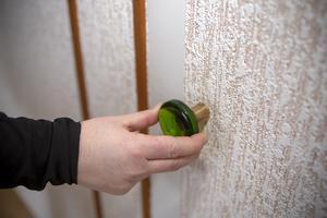 En annan kul detalj är garderobsknopparna i ett av sovrummen som skulle kunna vara från tidigt 60-tal.