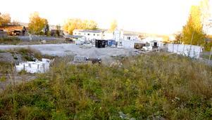 Inflyttning i området kommer att ske stegvis. Obos står bakom bygget och räknar med att området är helt utbyggt nästa höst.