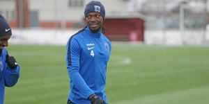 Kebba Ceesay är på plats i sin nya klubb IK Sirius.
