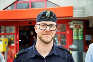 Kommunpolis Thomas Nordström förstår att det finns en frustration hos handlarna.