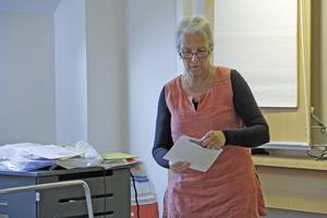 Eva Kristina Andersson hade 188 kuvert att sprätta. I ett av dem fanns dock inga valsedlar, utan bara ett brev från Norge.