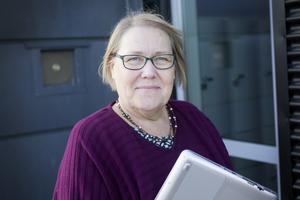 Läraren Mari Jonasson tycker att mobilförbudet är bra, men att skolan måste tänka på hur det ska organiseras för att inte ta lektionstid i anspråk.
