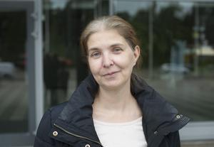 Ulrika Svensson, 46, Hedesunda, kommer besöka arenan mer framöver - men inte på grund av namnbytet. Hennes dotter har börjat spela hockey.