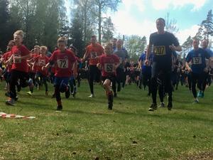 133 löpare kom till start i Grisrundan och i juniorklassen, Kultingkutet, startade omkring 50 barn.