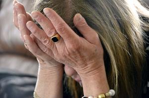 Sorgen är tung att bära. Ulla Wilhelmsson har mist många vänner under sitt liv.