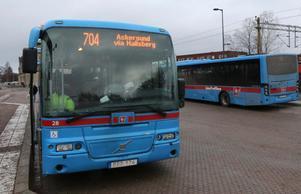 Majoriteten i regionstyret skär i kollektivtrafiken och många små orter, som till exempel Rönneshytta, mister linjetrafik. Miljöpartiet vill istället satsa på bussnätet.Foto:  Peter Eriksson