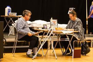 Det strävsamma gamla paret Rune och Birgitta spelades av Anders Eriksson Styv och Jill Vestberg.