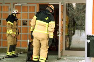 Räddningstjänsten fick använda fläktar för att få bort röken.