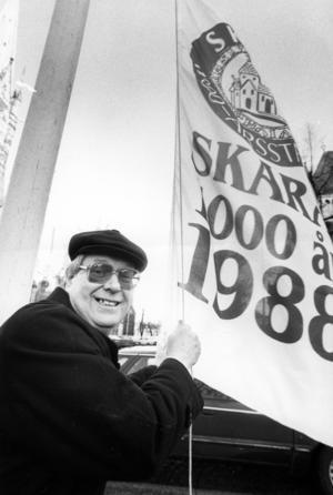 Gösta Karlsson som jubileumsgeneral för Skaras 1000-årsfirande 1988.