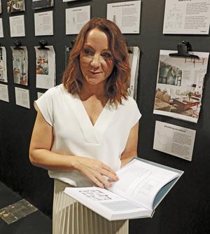 Bloggaren Frida Ramstedt har gett ut en bok om praktiska råd i heminredning. Hon menar att inredning handlar om att ta hand om sig själv, må bra hemma.