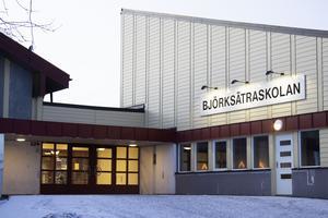 Björksätraskolan får två nya högstadieklasser från Jernvallsskolan om förvaltningens förslag röstas igenom.