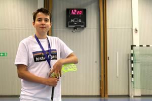 Leo Lusth kommer donera överskottet från turneringen till aids- och cancerforskning.
