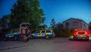 Polisinsats efter larm om bråk i Krylbo. Foto: Niklas Hagman