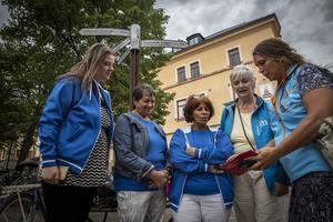 Från vänster: Karin Axén, Ilona Nyland och Katarina Gustavsson, Kristdemokraterna. Christina Haggren och Veronica Zetterberg, Moderaterna.
