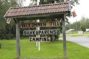 Stefan Törnblom har bott på Silvköparens camping sedan 2012. Kompisar lockade dit honom.