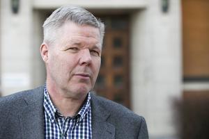 Leif Lindström (V) utlovar en upprustning av idrottsplatsen under komamnde två år.