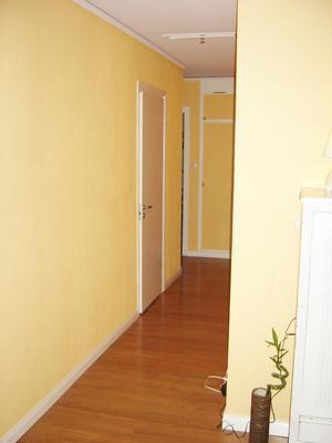 Före ombyggnaden var det en smal korridor i huset som inte släppte in ljus.
