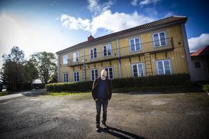 Sedan i början på maj i år är det Tobias  Jonsson som driver Motell 83, som är det före detta Järvsö hotell.