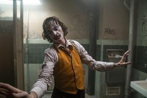 Jokerns (Joaquin Phoenix) sjukligt magra och utmärglade gestalt i